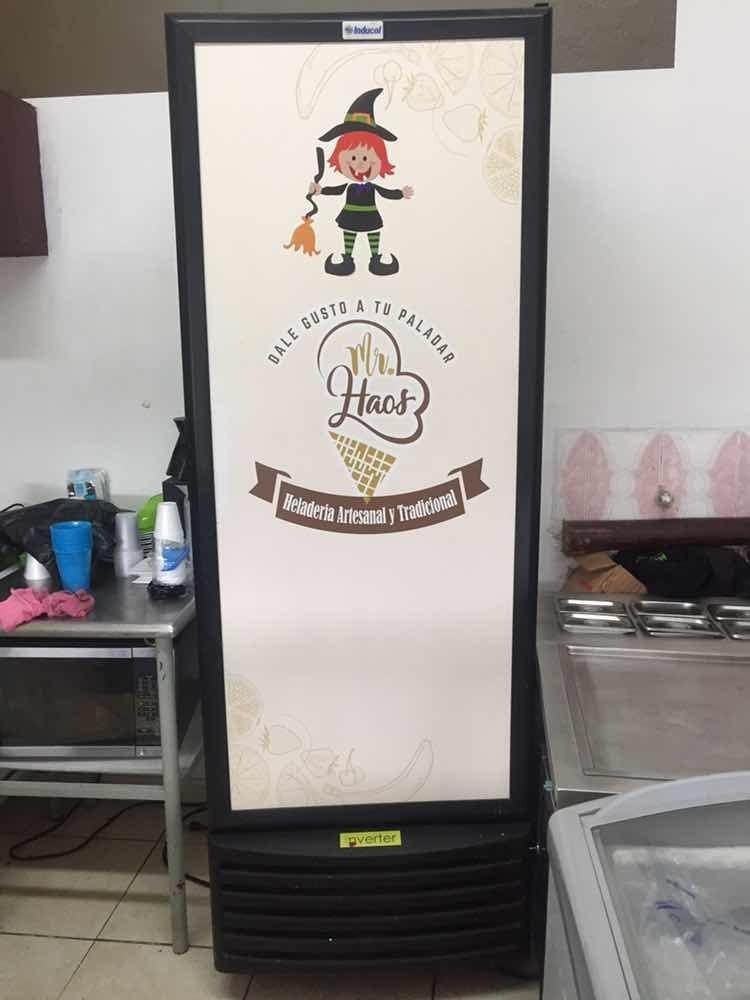 hermoso montaje  para heladeria - precio negociable