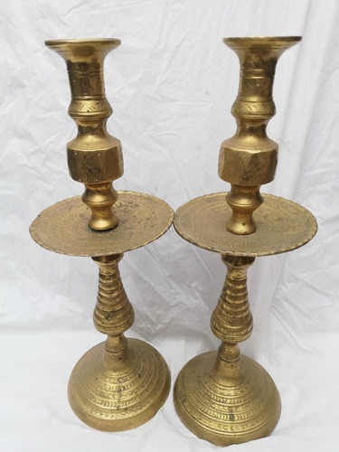 hermoso par de candelabros de bronce antiguos