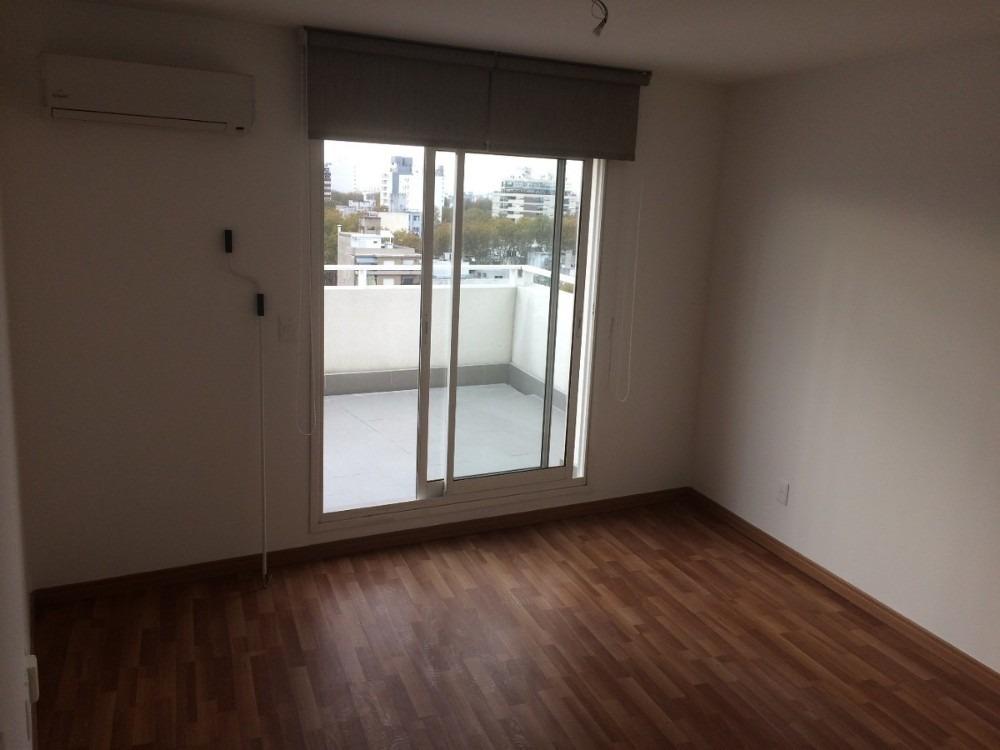 hermoso penthouse 2 dormitorios,bajos gastos, garaje,cordón!