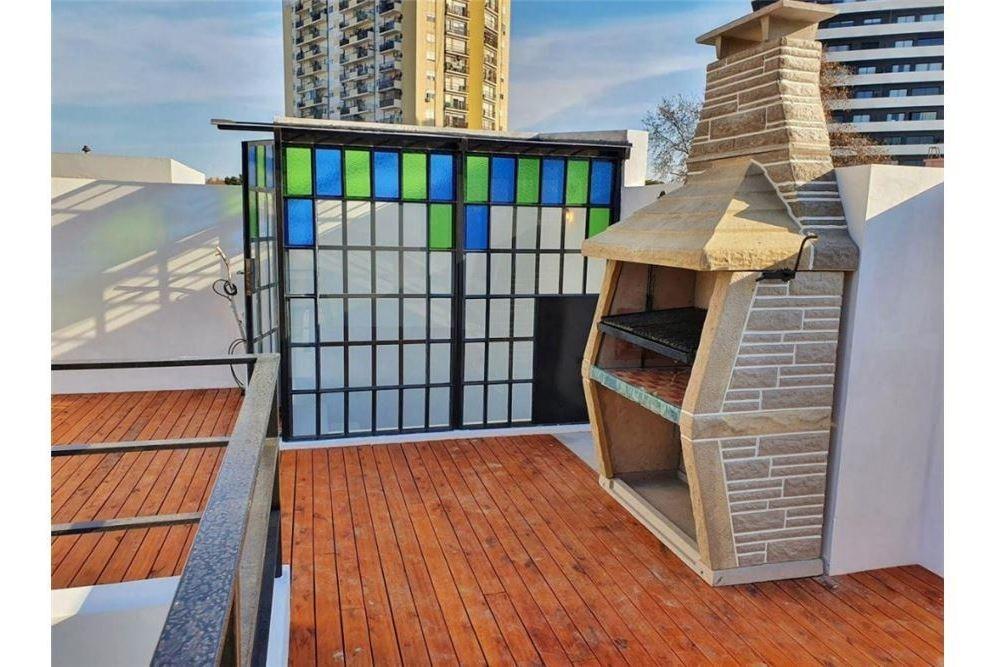 hermoso ph a estrenar con terraza. sin expensas!!!