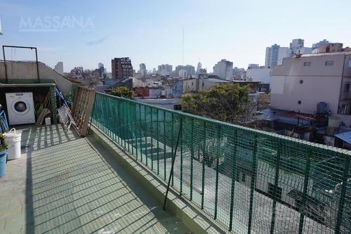 hermoso ph de 65m2 con balcón terraza. sin expensas
