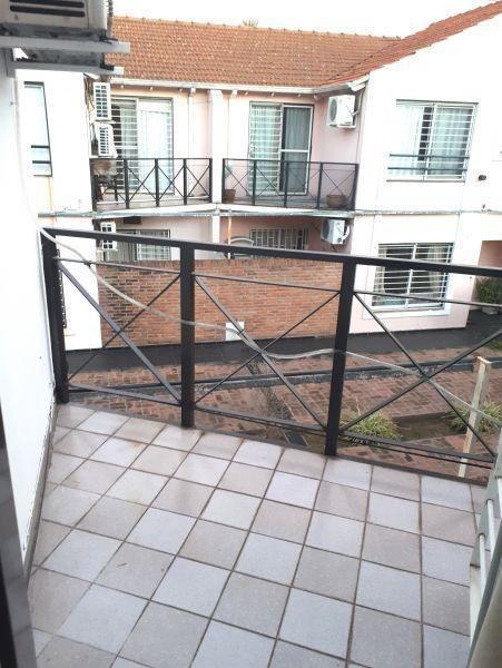 hermoso ph en primer piso con balcon y cochera!