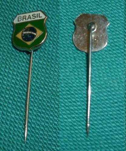 hermoso pin distintivo bandera de brasil formato alfiler