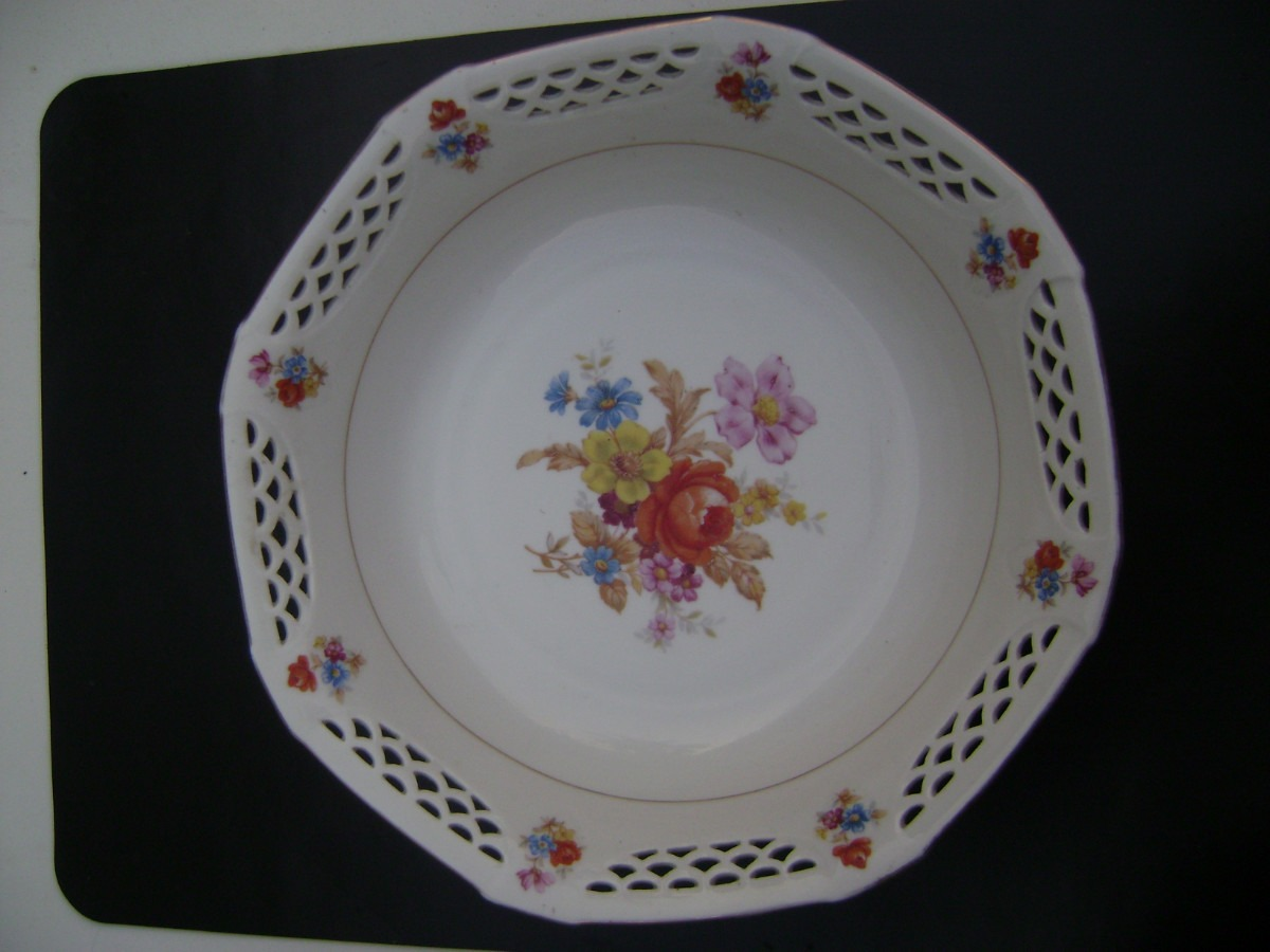 Hermoso plato dulcero porcelana fina de bavaria 1 999 for Platos porcelana