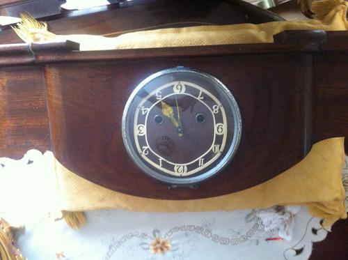 hermoso reloj de carillon inglés
