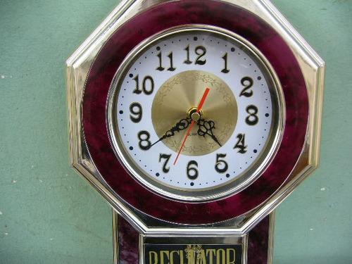 hermoso reloj de pared a pila