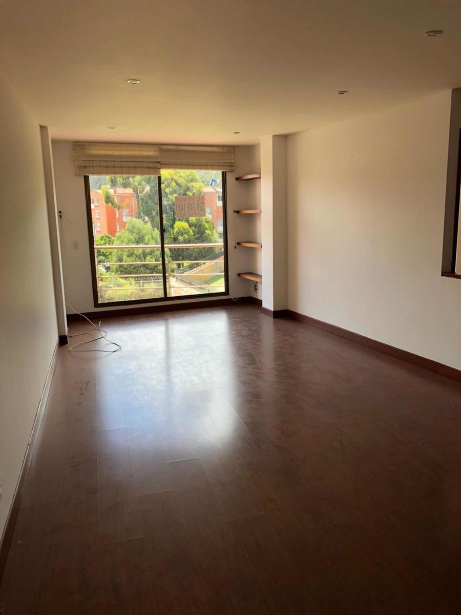 hermoso, seguro, iluminado, moderno y cálido apartamento.