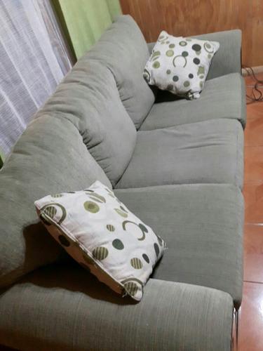 hermoso sillón tres cuerpos.excelente tapiz, como  nuevo!!