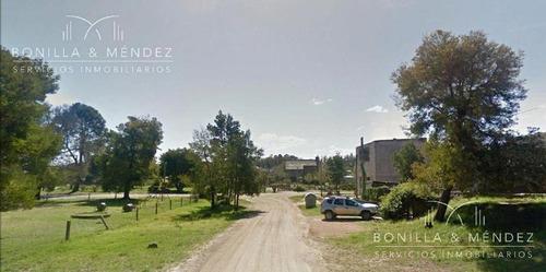 hermoso terreno a nivel en barrio country
