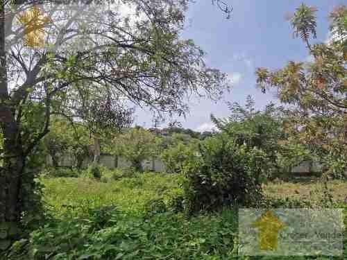 hermoso terreno bardeado en tepoztlan zona amatlan