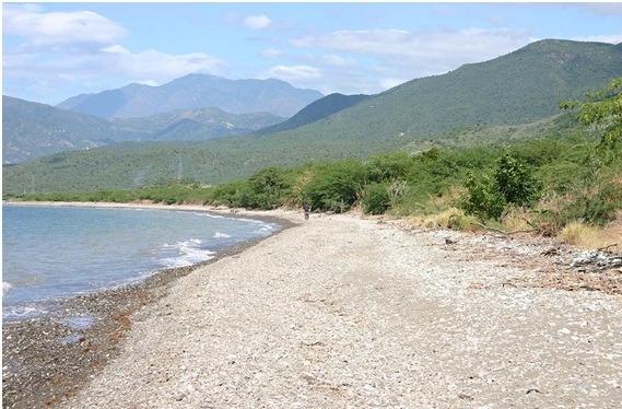 hermoso   terreno en venta  con vista  al mar  en azua