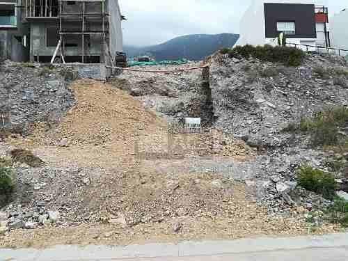 hermoso terreno en venta en colinas del valle ya emparejado y con permiso de construcción