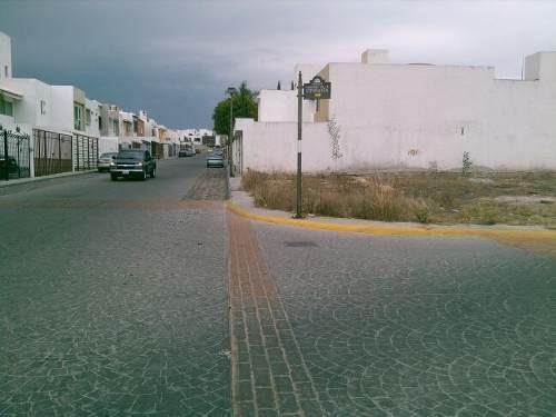 hermoso terreno plano en esquina en venta en fracc. milenio iii qro. mex.