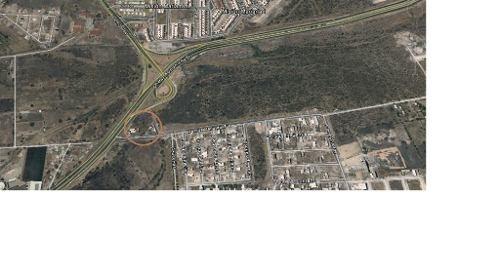 hermoso terreno plano sobre el libramiento surponiente en qro.. mex. con uso de suelo comercial