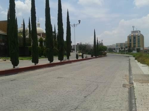 hermoso terreno plano uso mixto en la avenida principal del fracc, milenio iii qro. mex.