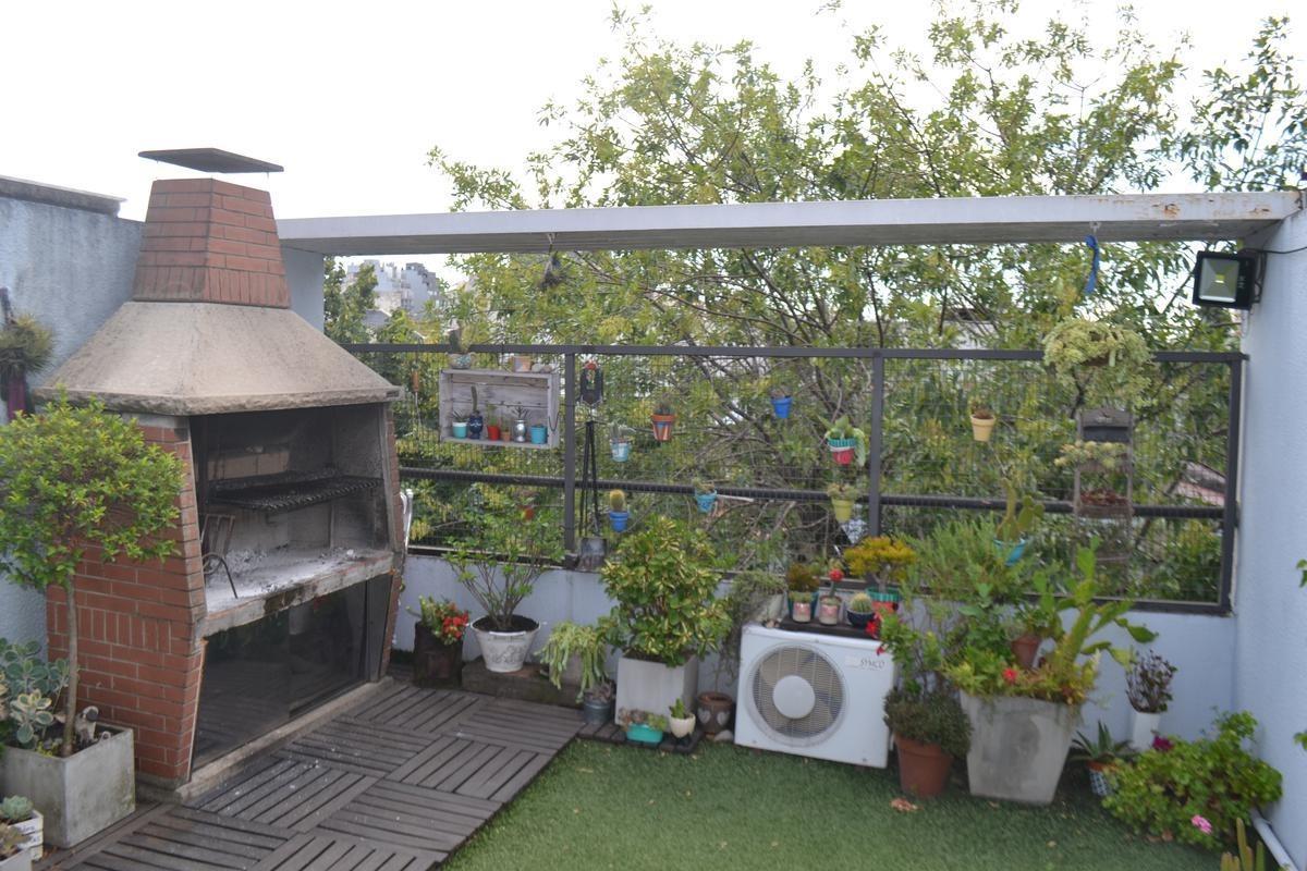 hermoso triplex de 4 amb con terraza porpia y cochera - parque avellaneda