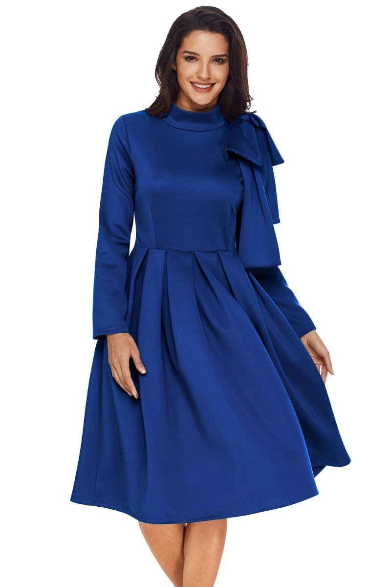 ef23b3774 hermoso vestido azul juvenil caida rodilla cuello con moño. Cargando zoom.
