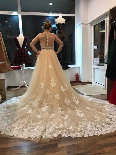 hermoso vestido de novia corte sirena con cola desmontable