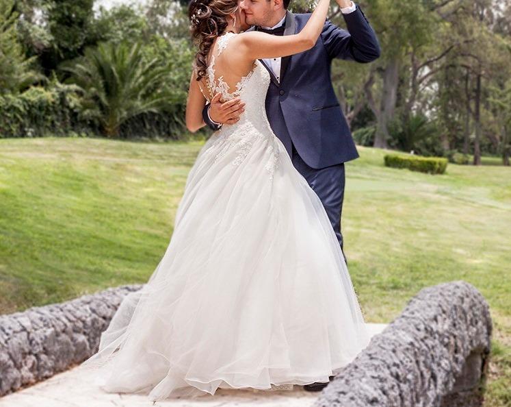 hermoso vestido de novia, ivory , essence t-8 c/ tintoreria