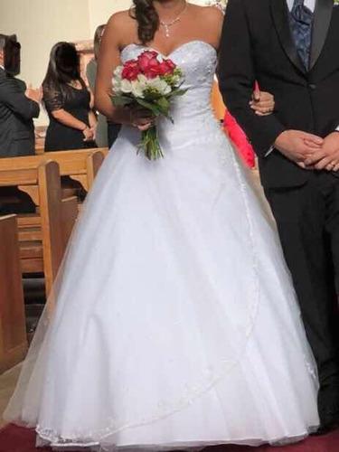 hermoso vestido de novia,una postura,impecables condiciones