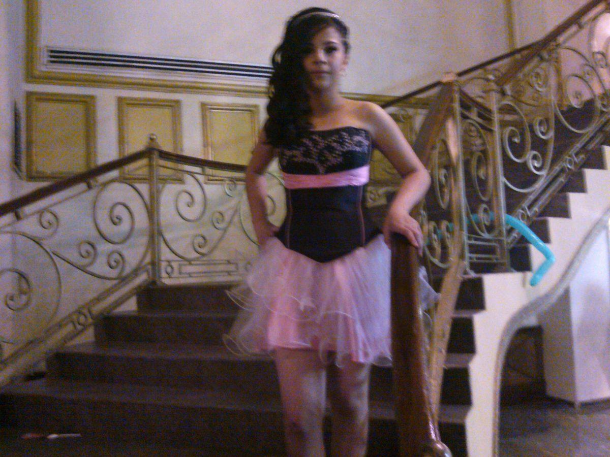 Vestidos de xv color negro con rosa