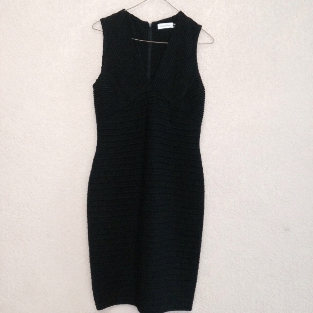 fac621189c hermoso vestido negro calvin klein ck 100% original. Cargando zoom.
