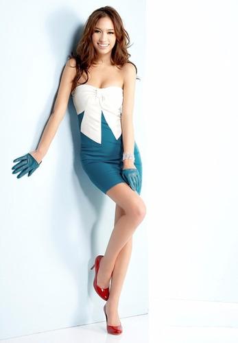 hermoso vestido straple moño blanco  moda asiatica japonesa