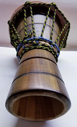 hermoso yembe de 34cm altura  y 24cm (pz)
