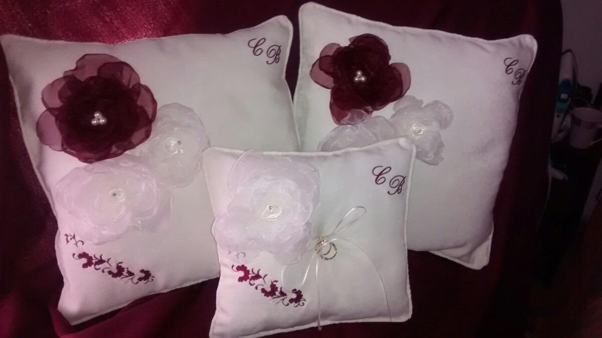 Hermosos cojines reclinatorio boda con tus iniciales bordada en mercado libre - Cojines con tu foto ...