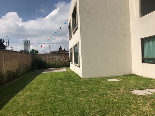 hermosos departamento con el mayor jardín de la zona
