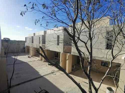 hermosos townhouses en privada syrah en temozon nte