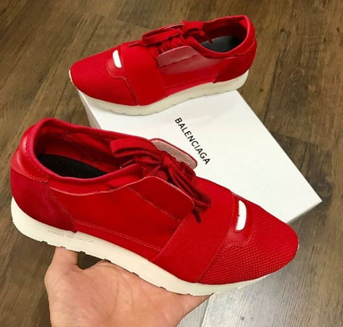 hermosos zapatos valentino, balenciaga, gucci, etc...