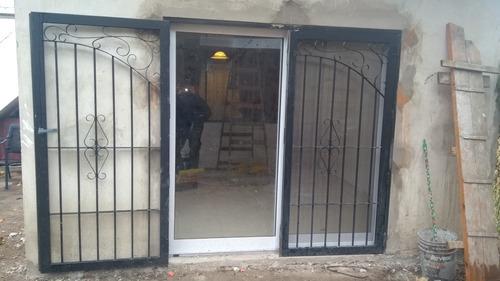 herreria herrero rejas puertas portones escaleras balcones