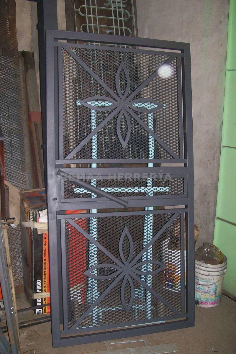 Rejas de hierro para frentes de casas awesome reja para - Verjas para puertas ...
