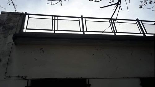 herrero reja baranda pergola techo frente de parrilla
