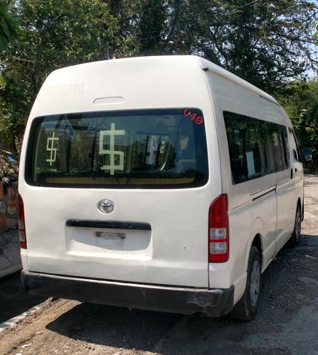 hiace 2012 pasajeros