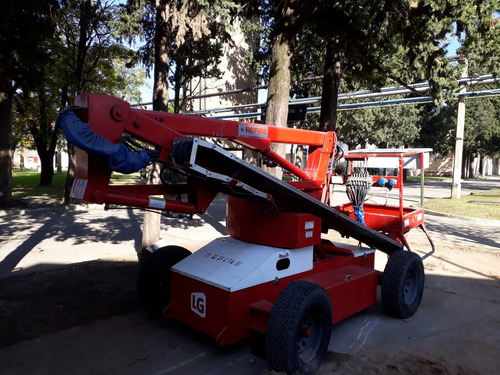hidroelevador autopropulsado  modelo hr 12 ap marca refire
