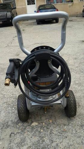 hidrojeet o hidr  a gasolina 5.5 hp 2600 psi black & decker
