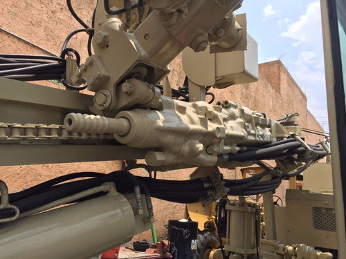 hidrotrack track drill ecm 580 ingersoll rand perfora / 672