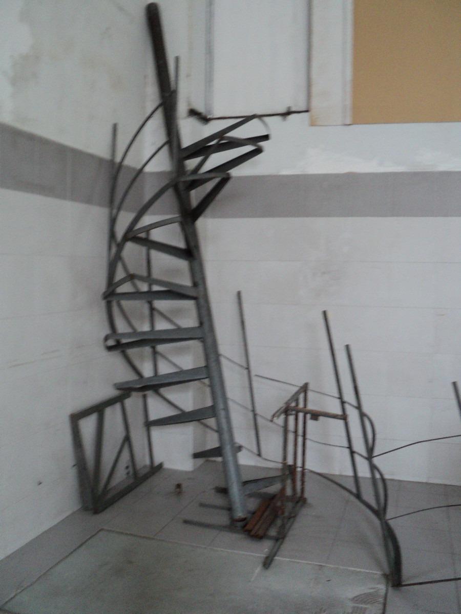 hierro con escalera
