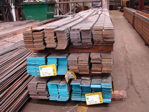 hierro planchuela 1 x 3/16 (25,4 x 4,8mm) en barras x 6 mtrs