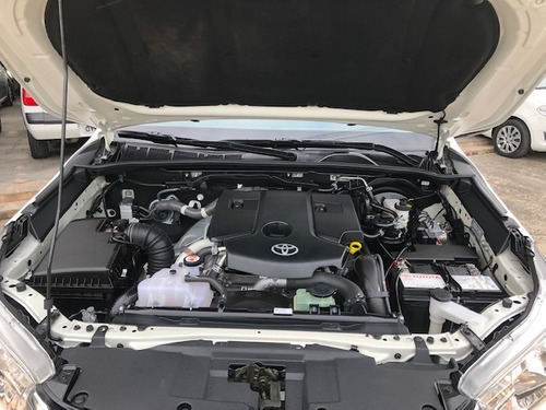 hilux cab. dupla 2018 srv 2.8 autom 4x4 29000km.