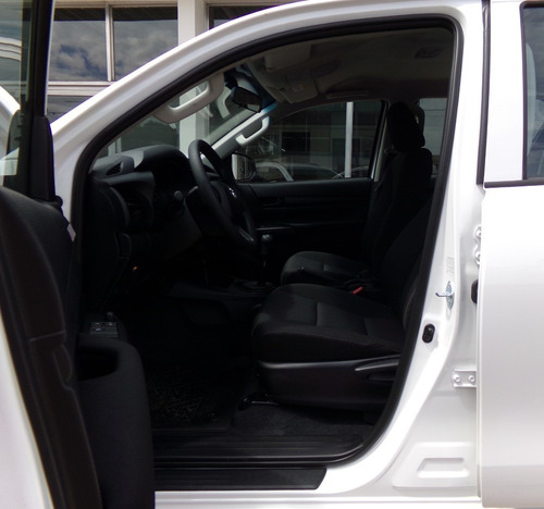 hilux d/c 2.4l dx 4x2 0km my20 blanca, 7 airbags, disponible