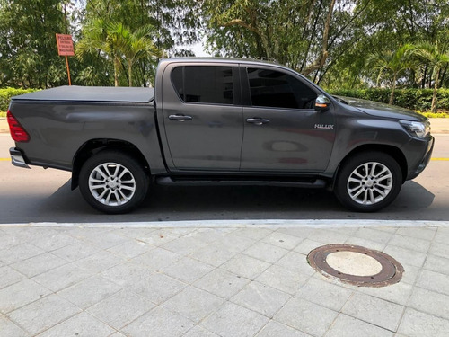 hilux hilux toyota