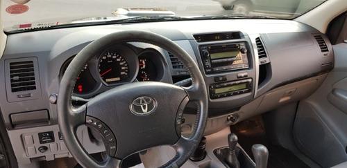 hilux srv cd 3.0 td 4x4 aut. 2011