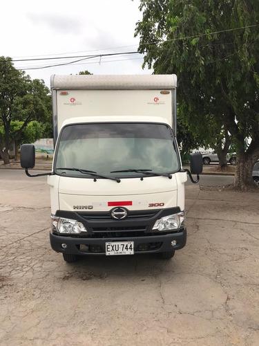 hino dutro hino dutro (furgon)