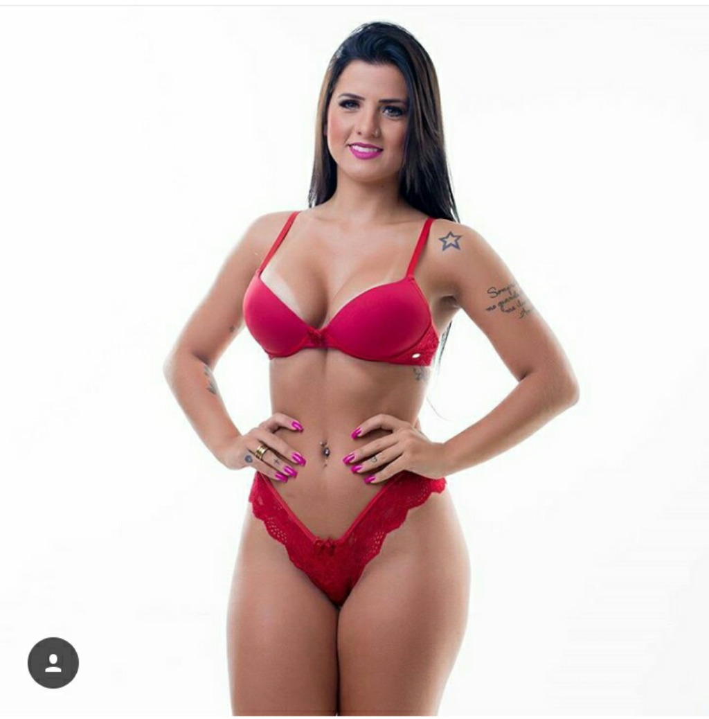 661fb3f96 Hoby Longo Com Calcinha E Sutiã Sexy Para Mulheres Lindas - R  129 ...