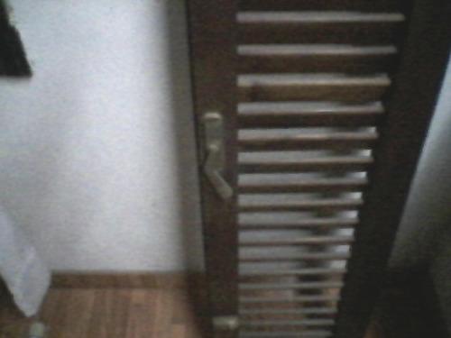 hojas x 4 de ventana madera marca om de madera de marama