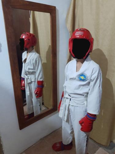 ¡¡¡hola,vendo protectores de taekwondo  conjunto completo!!!