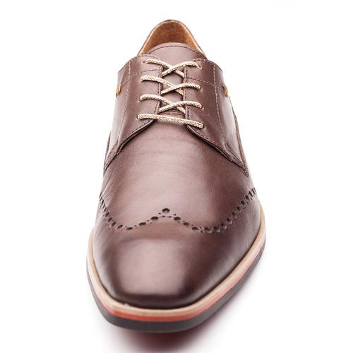 hombre pato zapato